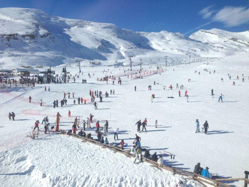 Foto aérea estación esquí